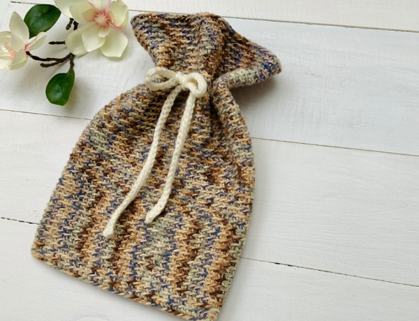 Easy crochet pouch pattern